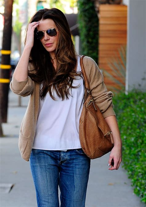 Kate Beckinsdale With Valentino Historie Purse by The Many Bags Of Kate Beckinsale Purseblog