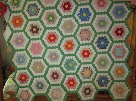 Flower Garden Quilts S Homemaking Adventures Grandmother S Flower Garden Quilt