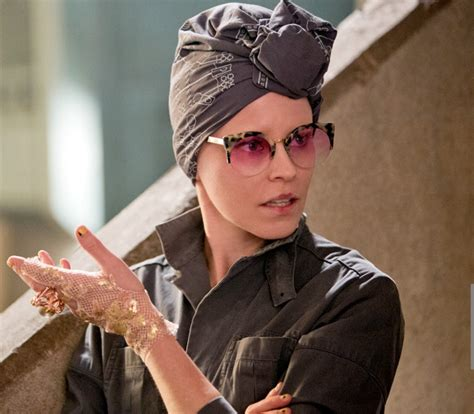elizabeth banks mockingjay new still of elizabeth banks as effie trinket in
