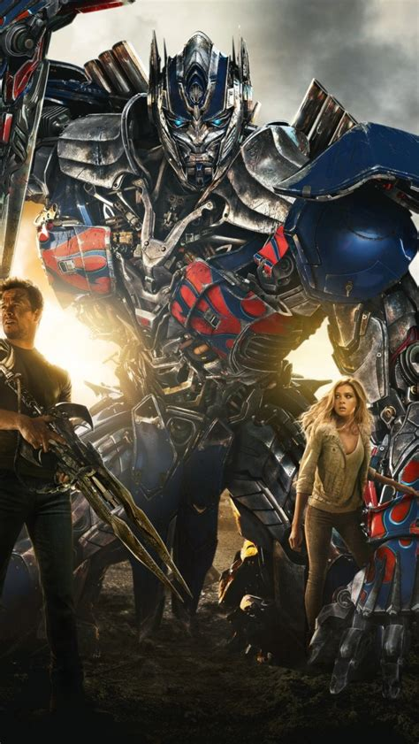 wallpaper iphone 5 transformer optimus prime and mark walberg from transformers 4 age of