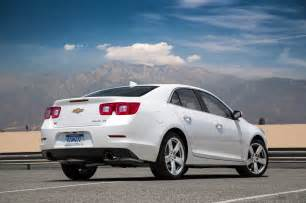 2015 chevrolet malibu turbo rear three quarter photo 4