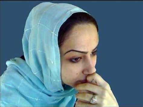donne persiane a morte la sposa bambina che si era ribellata al marito