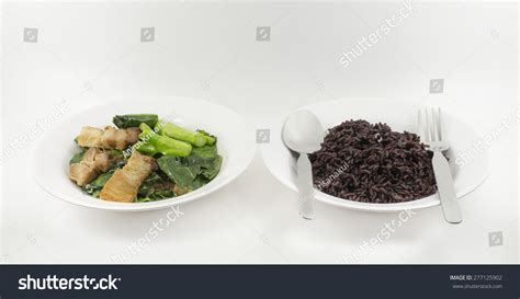 Crunchy Green Kale Ready Stock black rice cooked ready to eat and kale with crispy pork