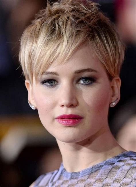 pixie haircuts for ladies with round faces and high cheekbones pixie haircut for round face hair style