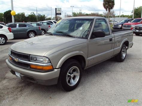 2000 light pewter metallic chevrolet s10 ls regular cab