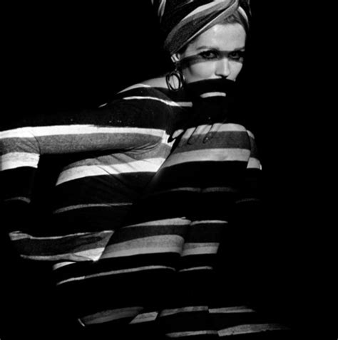 horizontal stripe projection on model, photo john french