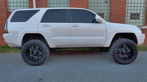 toyota 4runner lifted lifted toyota 4runner v8 4x4 lifted and stanced 4r117