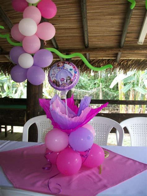 1000 images about centros de mesa on centros de mesa princesa sofia princesa sofia mesas