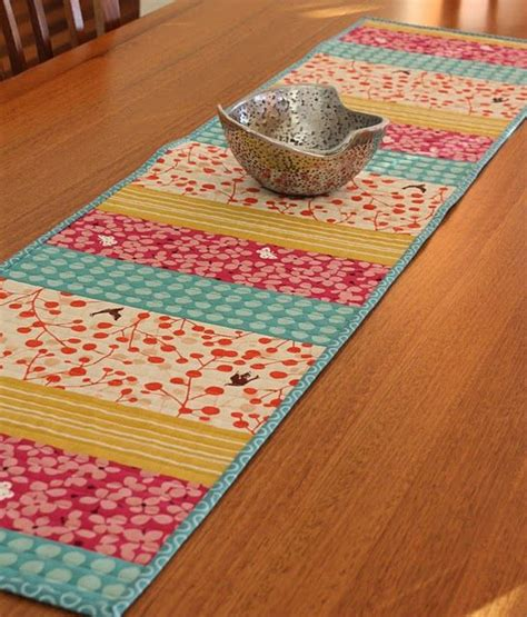 25 best ideas about table runners on quilted