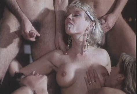Kelly trump nude