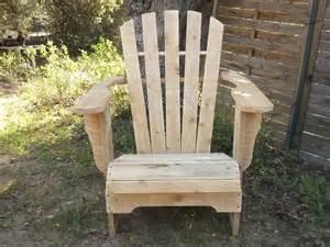 profitez du fauteuil style adirondack en bois de palettes