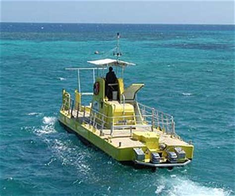 Island Semi Boot cairns great barrier reef green island 18 australien