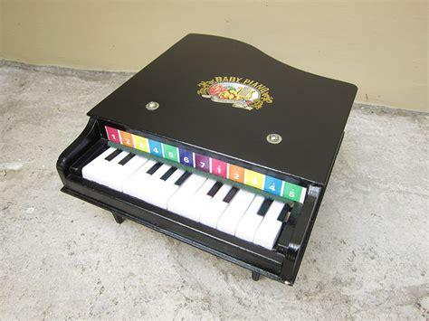 Mainan Musik Piano Ungu 27cm 0126an alat musik garasi opa