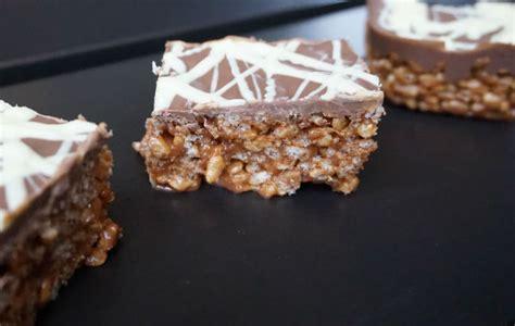 mars bar cake topping mars bar crispy cake snap happy bakes