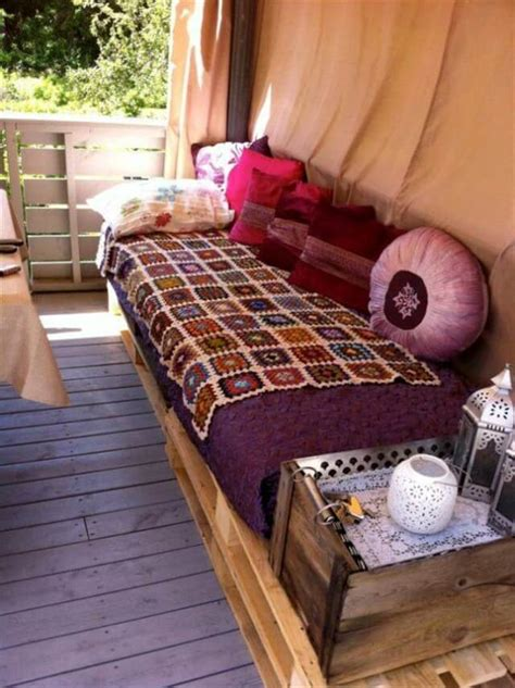 pallet sofa diy diy pallet furniture for terrace 101 pallets