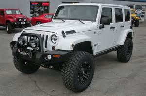 2010 white jeep wrangler unlimited