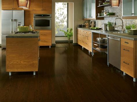 honey oak cabinets with dark wood floors what color wood floor goes laminate flooring options home remodeling ideas for