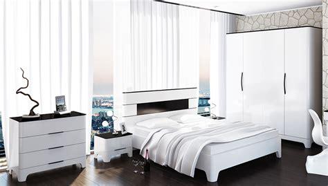 schlafzimmer komplett schwarz weiss schlafzimmer komplett 5 teilig schwarz wei 223 hochglanz