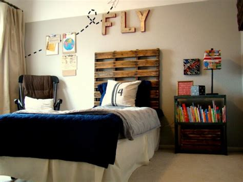 boys room interesting use of one big upholstered 10 wood pallet decor ideas