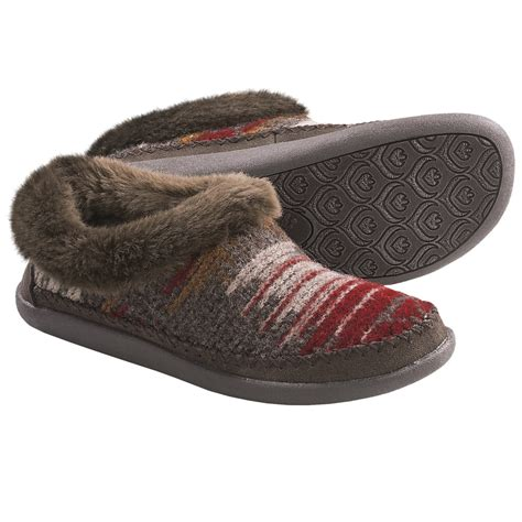 womens woolrich slippers woolrich creek slipper shoes for 6752m