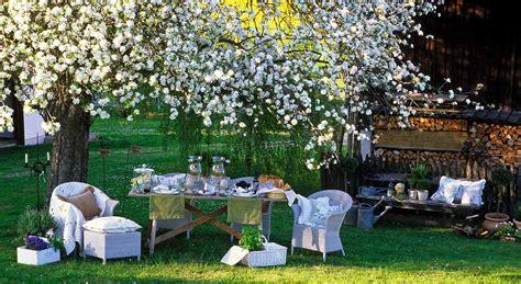 come organizzare un giardino piccolo trucchi per rendere la vostra festa in giardino aia food
