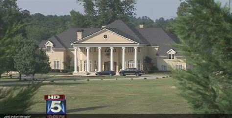 creflo dollar house picture of creflo dollar s house house and home design