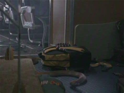 snake on the plane bathroom scene snakes on a plane scene it s safer trailers videos