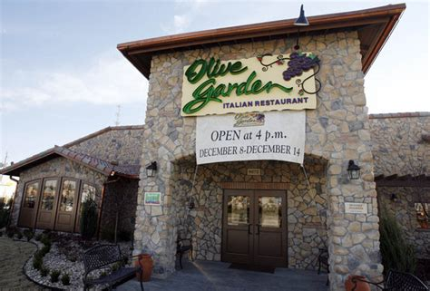 is olive garden a franchise how much does it cost to start an olive garden franchise fasci garden