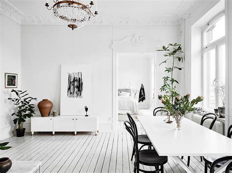 svensk inredningsblogg och skandinavisk inredning inredning med vit bas snyggt stylat med fina detaljer