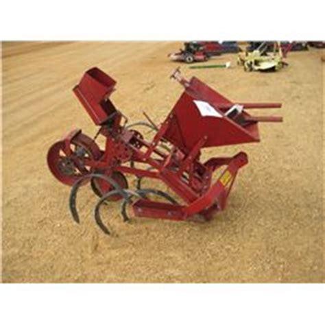 Covington Planters by Covington Tp4l Single Row Planter J M Wood Auction