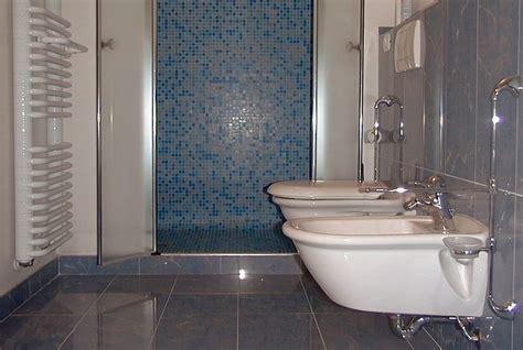 foto di bagni piccoli ristrutturati foto esempi altri bagni realizzati di essegi societa