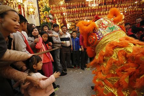 new year 2016 in chinatown los angeles lunar new year kicks at chinatown temple la times