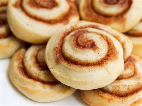Know Your Sweets: Cinnamon Rolls   Serious Eats