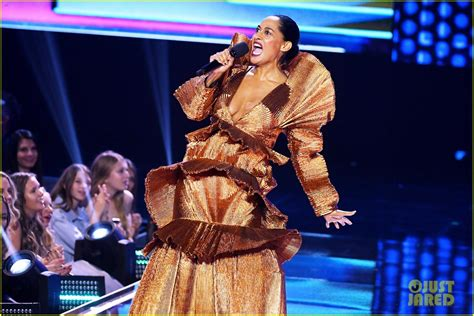 tracee ellis ross dance tracee ellis ross dance video ama 28 images flipboard