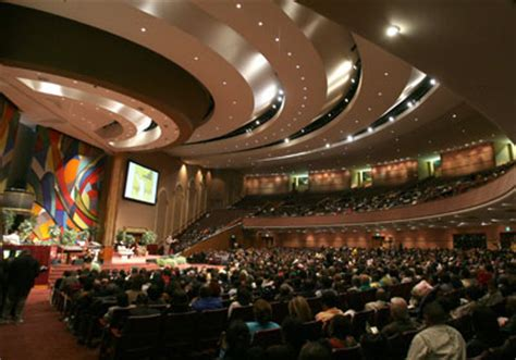 in pictures: america's 10 biggest megachurches