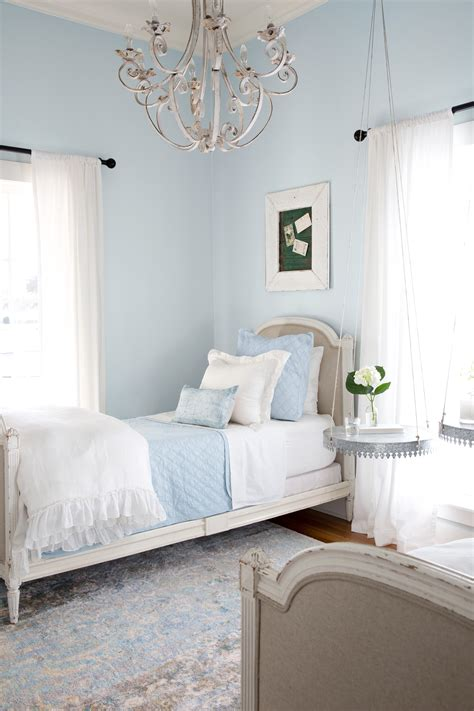 magnolia bedroom decorating the interior of a house with a beautiful