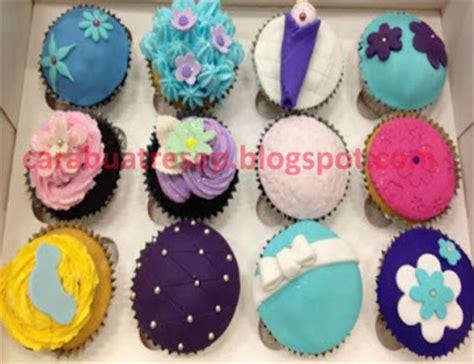Resep 101 Kreasi Hiasan Cupcake Lengkap cara membuat kue cupcake icing sugar karakter resep masakan indonesia