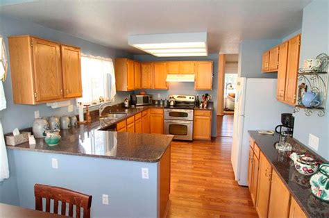 blue kitchen with oak cabinets blue kitchen oak cabinets quicua com