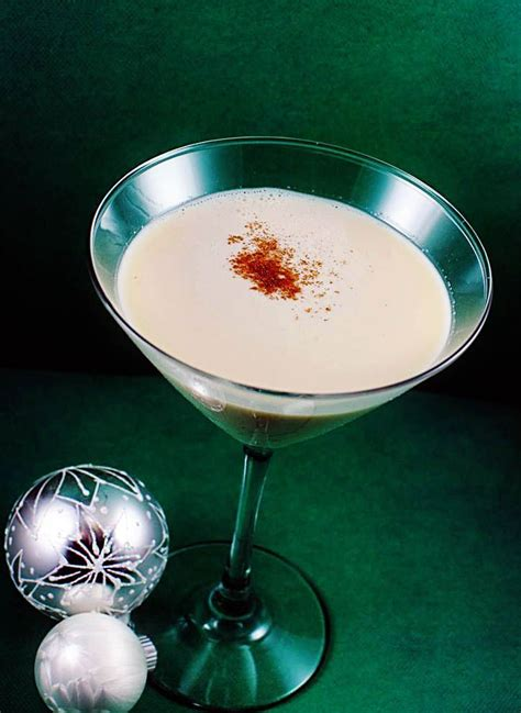 martini eggnog holiday martini recipes chocolate and eggnogg martinis