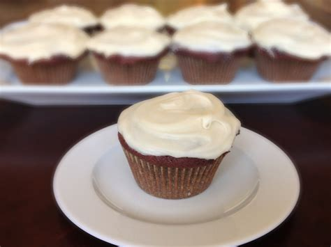 cream cheese frosting ina garten red velvet cupcakes chez cateylou