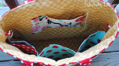 tote bag pattern with inside pockets make for mom with the shaffer sisters