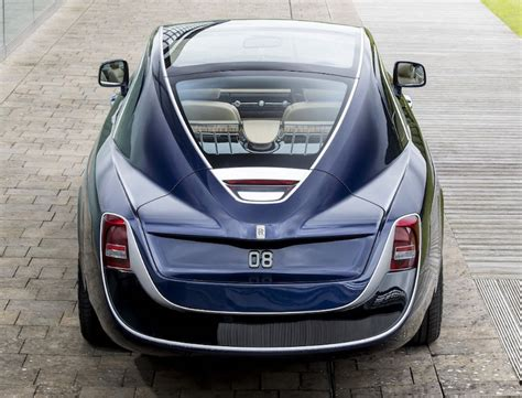 one rolls royce sweptail revealed at concorso d