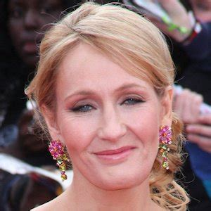 facts about jk rowling biography j k rowling bio facts family famous birthdays