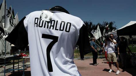 ronaldo juventus camiseta real madrid semana decisiva para la marcha de cristiano ronaldo a la juventus marca