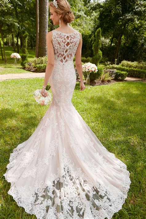 stella york 6343 scalloped lace keyhole back wedding dress
