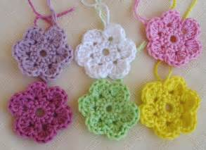 Free Easy Flower Crochet Patterns - is it a toy crochet doodle flowers free pattern