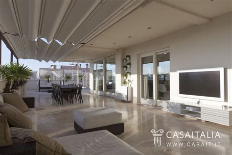 vendita terrazzo attico con terrazzi panoramici a foligno