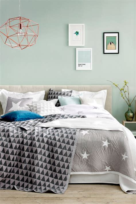 green and grey bedroom best 25 bedroom mint ideas on pinterest chevron bedroom