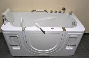 badewanne mit seiteneinstieg senioren sitzbadewanne seniorenbadewanne sitzwanne