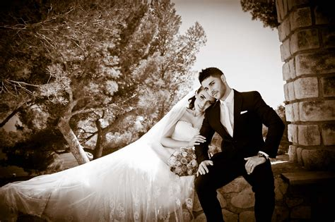 Wedding Photography by Excellent Wedding Photographer Robin Flo Destination